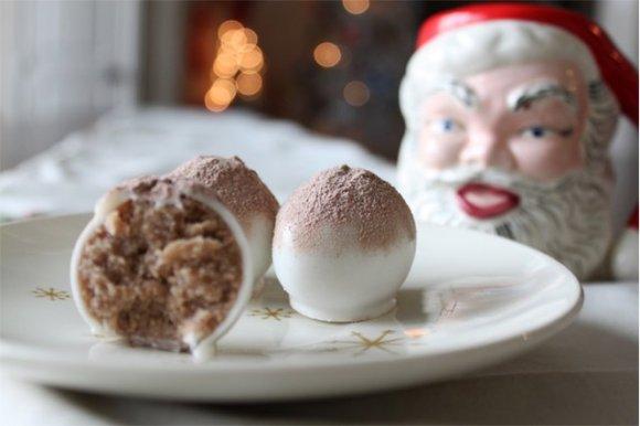 hot cocoa cake balls